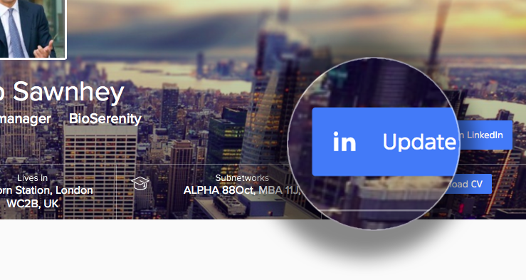 Leverage social networks to facilitate updates